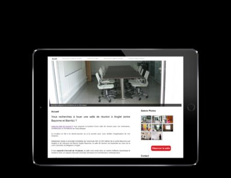 L'agence web REZO 21 d'anglet pays basque créé le site Internet de location d'une salle de réunion à Anglet dans la zone de Maignon sur tablette