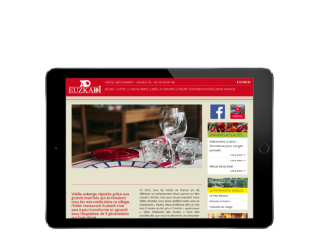 REZO 21, création de sites Internet réalise le nouveau site Internet de l'Hotel restaurant euskadi à Espelette Pays basque, vue sur tablette