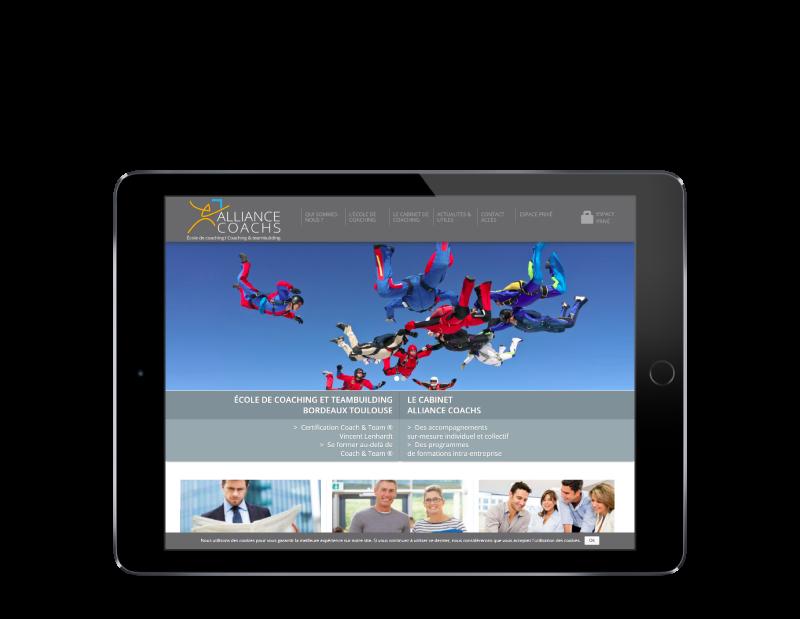 Alliance Coachs choisit l'agence web REZO 21 Anglet pour renouveler son site Internet, vue sur tablette