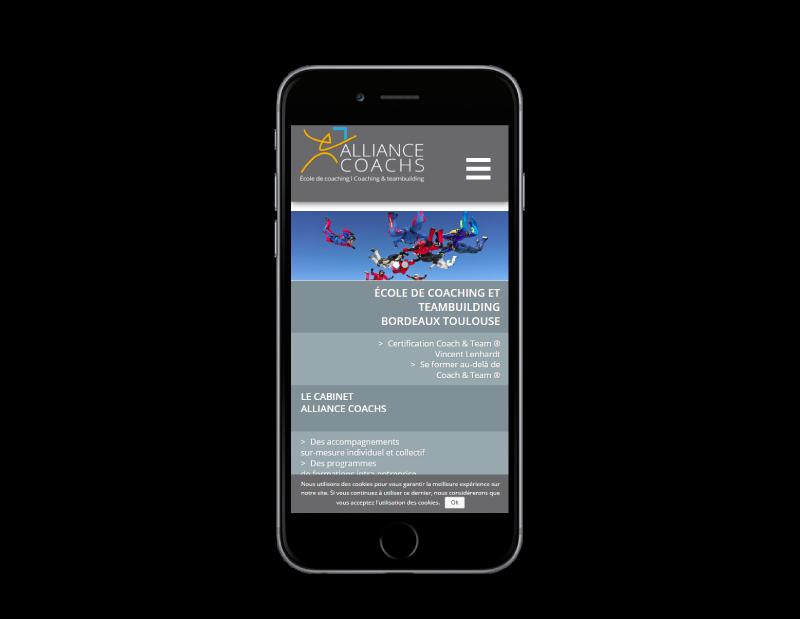 Alliance Coachs choisit l'agence web REZO 21 Anglet pour renouveler son site Internet, vue sur mobile