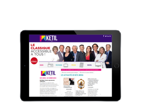 REZO 21, agence web à Anglet, conçoit le nouveau site Internet de Ketil média, vue sur tablette