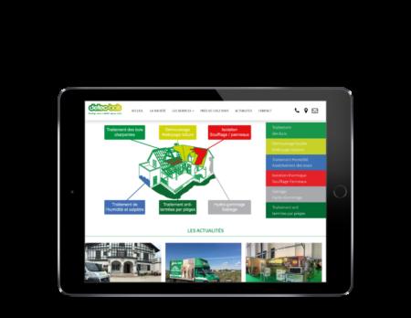Détec-bois pays basque confie la refonte de son site Internet à l'agence web REZO 21 Anglet, vue sur tablette