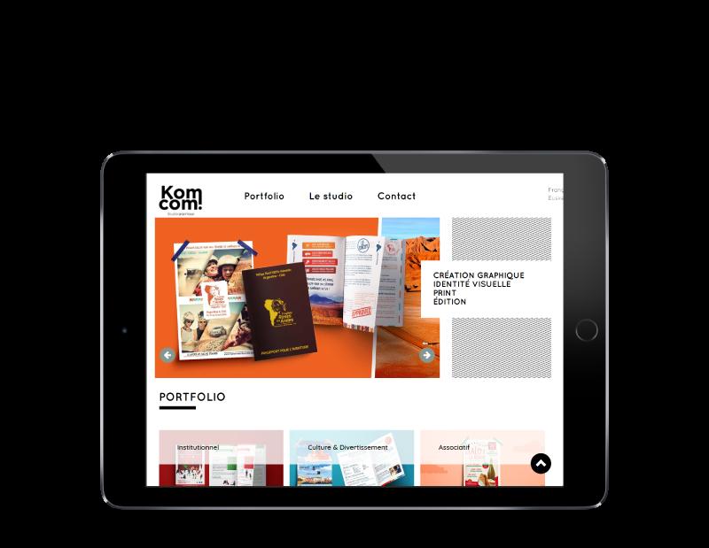 Le studio de création graphique Komcom fait développer son site Internet par l'agence web REZO 21 Anglet, site web sur tablette