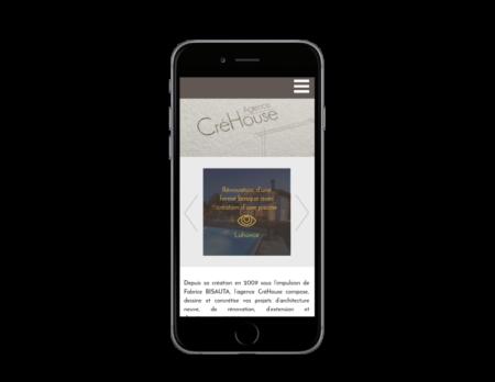 L'agence web REZO 21 créé le nouveau site Internet de CréHouse architecture à Bayonne sur mobile