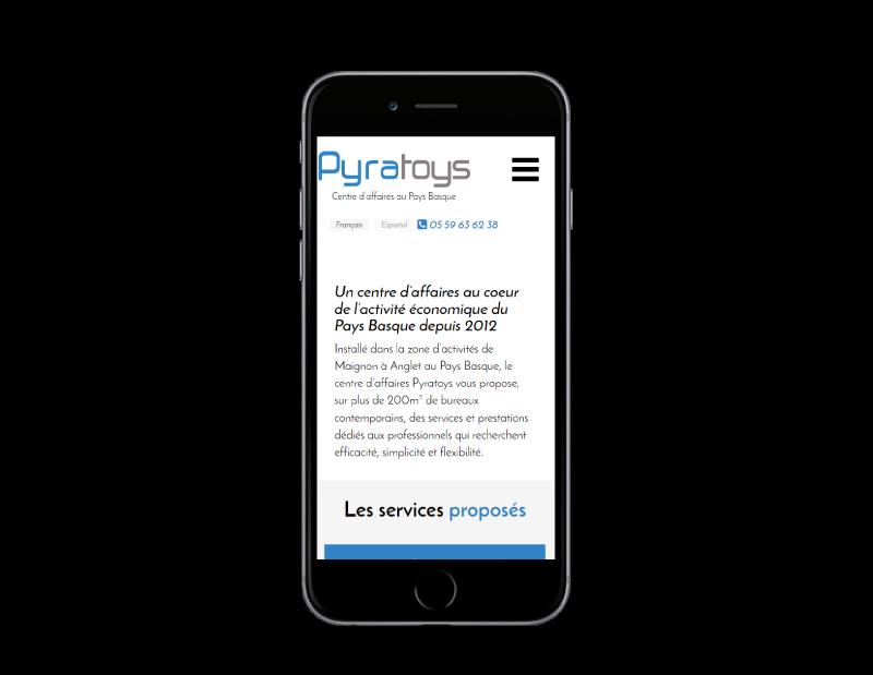 REZO 21 création du site Internet de Pyratoys, centre d'affaires au pays basque sur mobile