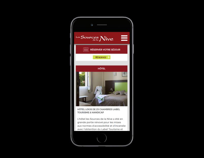 Site Internet de l'hôtel les sources de la nive au pays basque réalisé par l'agence web rezo 21 vue sur mobile