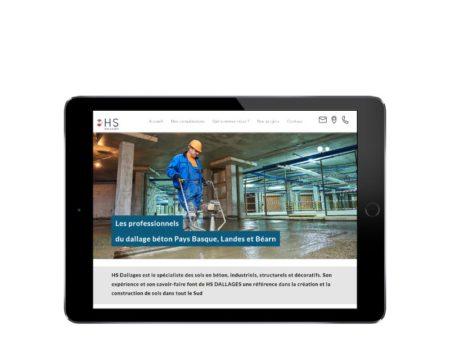 REZO 21 agence web bayonne de création de sites Internet WordPress au Pays basque intègre le site de HS Dallages - responsive sur tablette